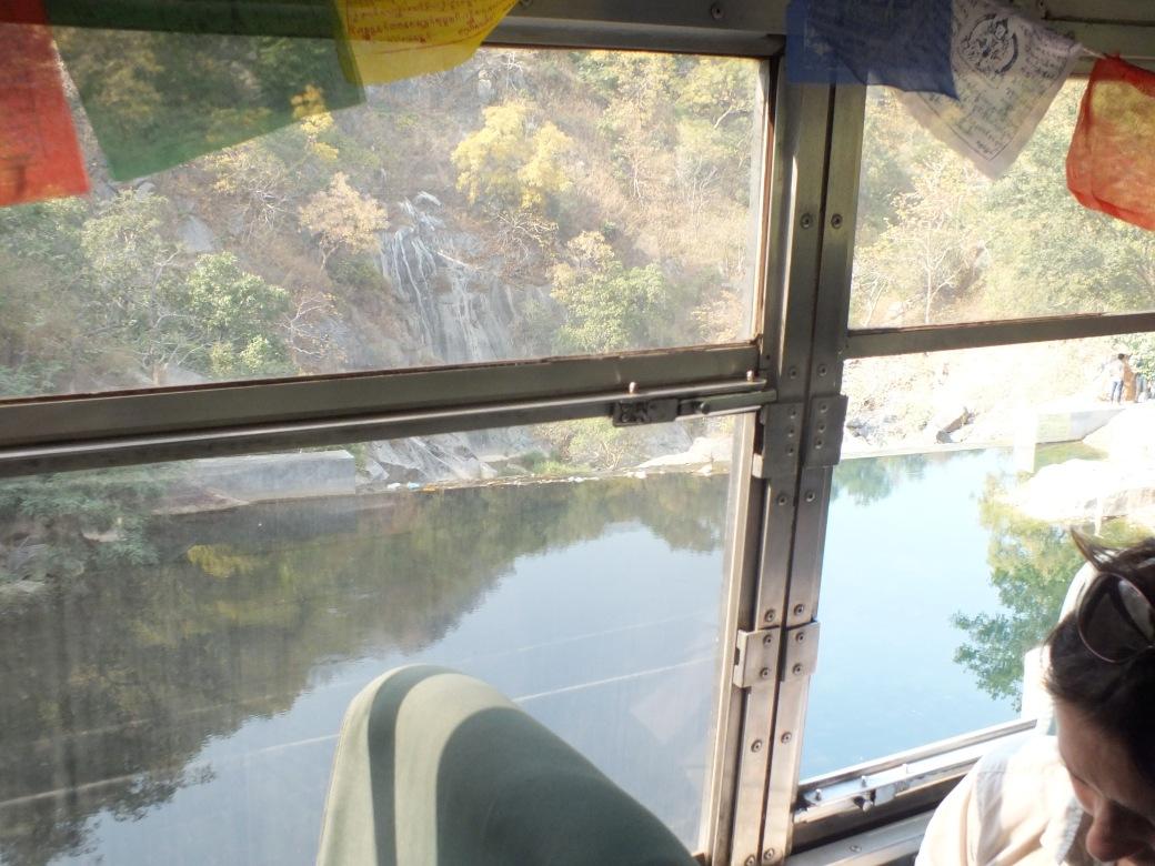 roadtoUdaipur.JPG