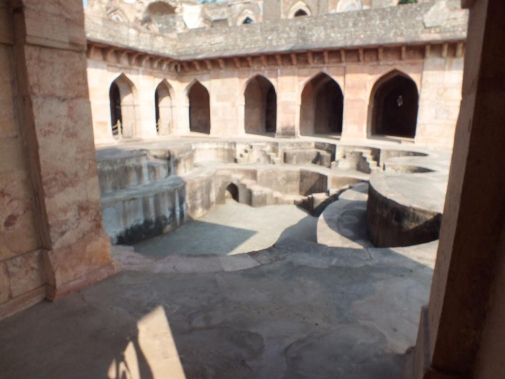 Ruins11.JPG